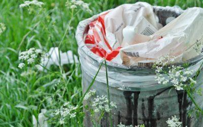 Obecní kompostéry versus čisto v ulicích – VYBERTE SI!